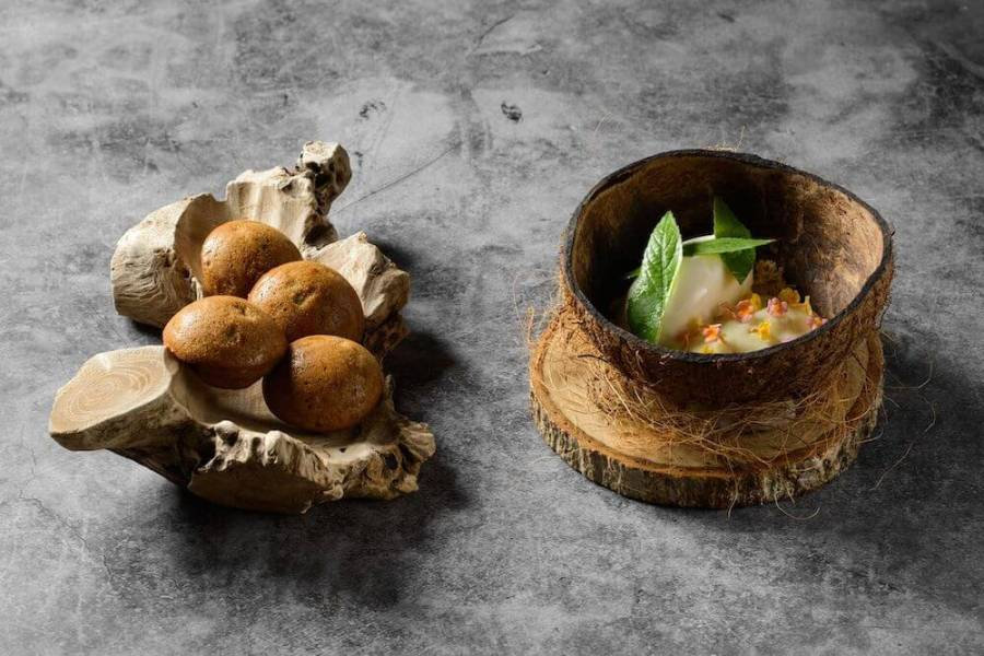 Gen unique dishes in coconut shell. Where to eat in Penang