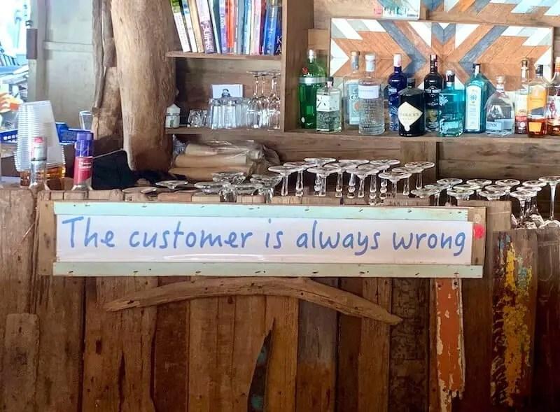 "Ah Chong Bar sigh ""customer is always wrong"""