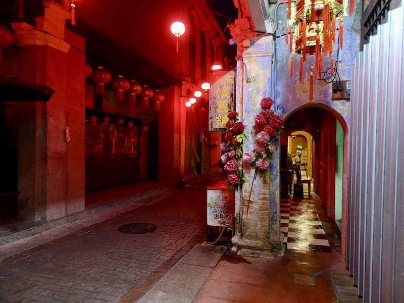 Ipoh 5 foot way with colorful archway and red lanterns