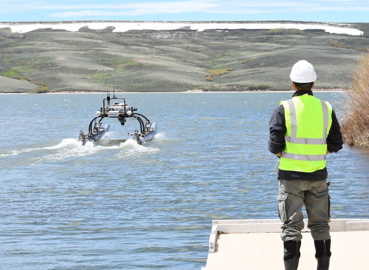 Hydrographic survey with autonomous system