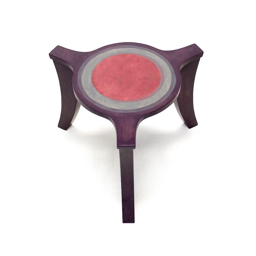 Salontafels met drie poten, paars en roze