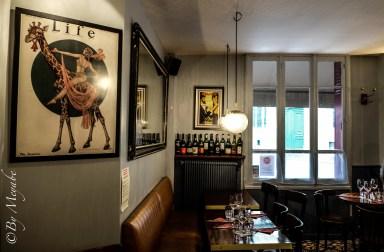 #Restaurant #banquettesvintage #miroirvintage #affichesvintages