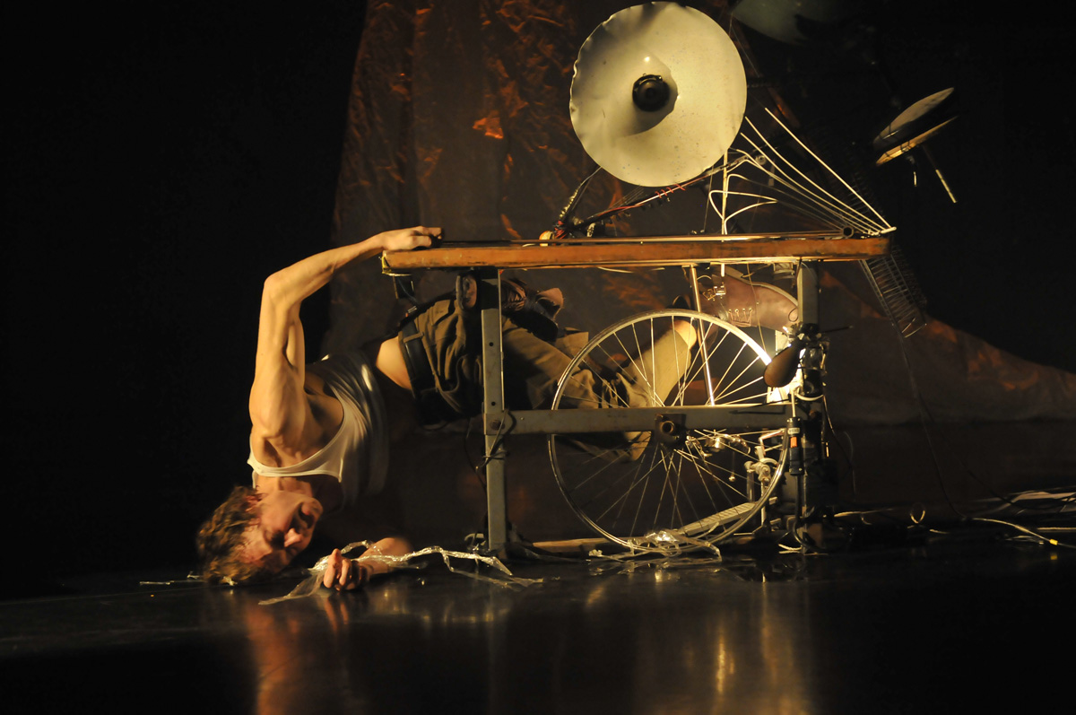 Peter Trosztmer 'EESTI : MYTHS AND MACHINES' - Peter Trosztmer / 'The Choreographers'