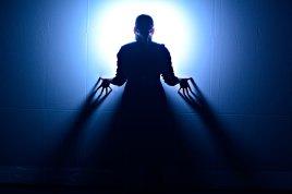 NIGHT OWLS - Collectif CHA [ David-Alexandre Chabot & Paul Chambers ] - Conception et mise en scène Paul Chambers, David-Alexandre ChabotInterprétation Annie GagnonConception sonore David Albert-Toth