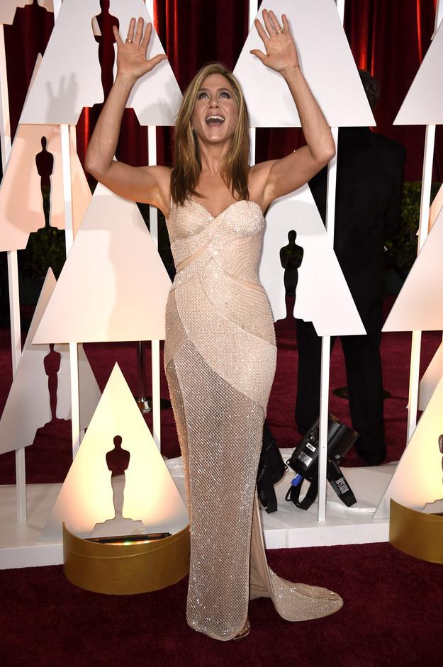Jennifer aniston versace