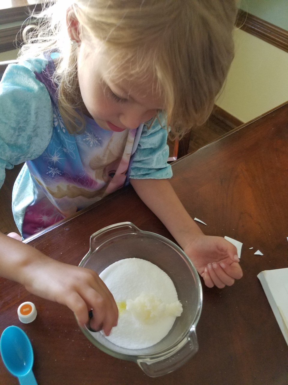 making sugar scrub