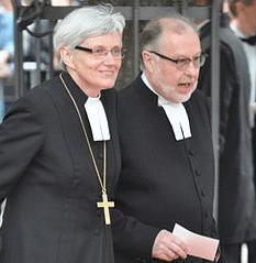 Zviedrijas arhibīskape kopā ar savu dzīvesbiedru
