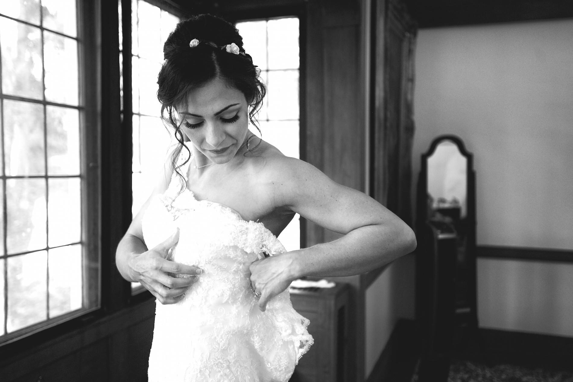 Sandrine Bonvoisin destination wedding photographer based in France, Brittany. New-York.