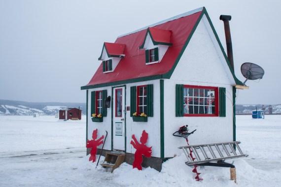 Cabane décorée pour la St-Valentin, c'est au mois de février qu'il fait le plus froid !