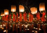 Smithsonian-photo-contest-travel-monks-lanterns-thailand-daniel-nahabedian