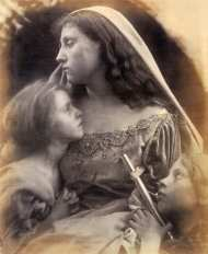 A_Holy_Family,_by_Julia_Margaret_Cameron