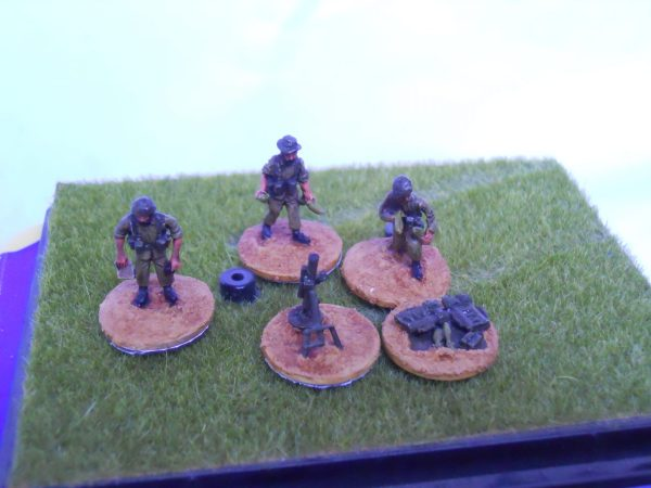 W/Europe multi head 81mm mortar & 3 crew