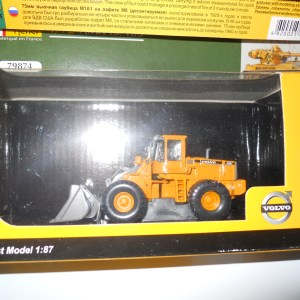 1/87th Volvo wheeled shovel loader