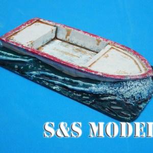 Twin bulkhead fishing boat