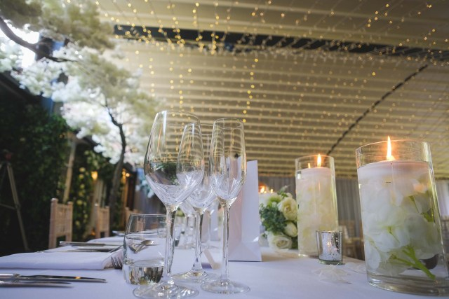 Top table settings at Delamere Manor