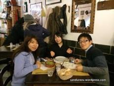 Yukako, Mai dan Yuto (dari kiri ke kanan) sumber: facebooknya Yuto (pardon me Yuto-san! :)