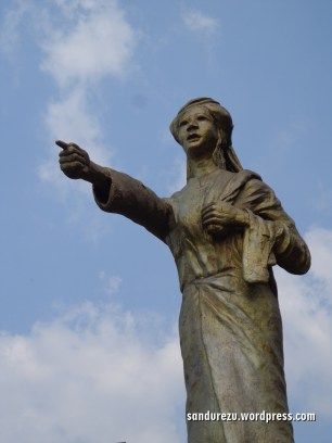 Monumen ratapan ibu