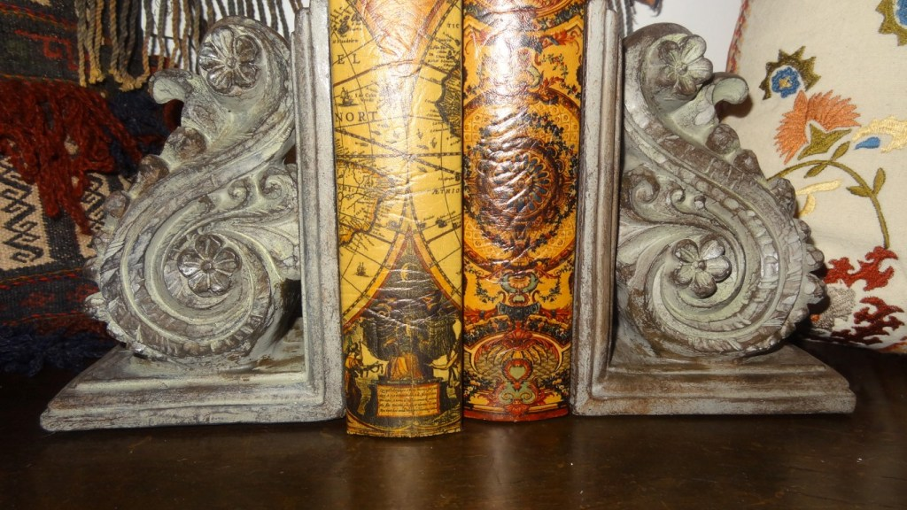 Carved wood curvelinear design bookends