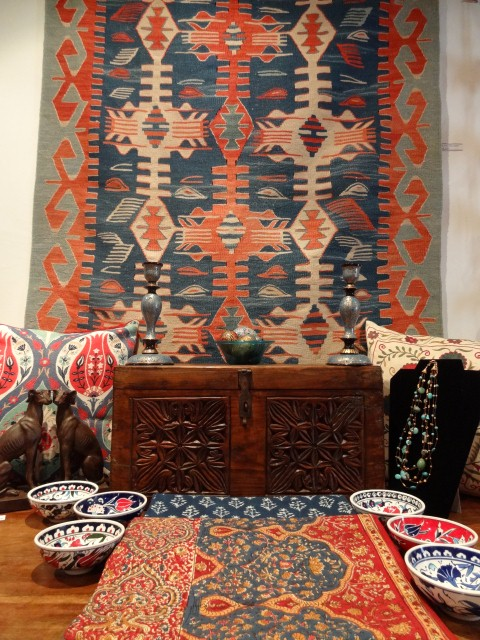 Handwoven Turkish kilim. Vegetable dyes