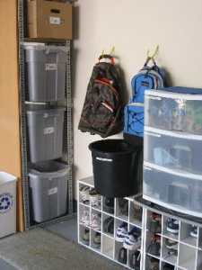 decluttering/organized entryway/sanespaces.com