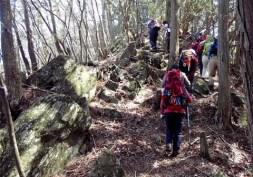 風頭山~大日山へは岩場歩きもある。
