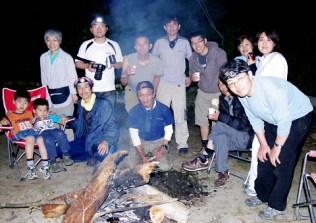 たき火を囲んで盛り上がりました