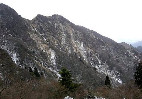 釈迦ヶ岳 中尾根(1092m)(鈴鹿中部)