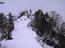 03 遠見尾根の雪庇