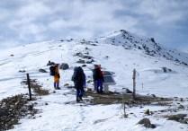 05山頂部は,アイゼンも効いて歩きやすい。