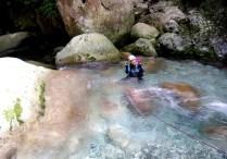 23 三重の滝を過ぎると水の色が変わった?