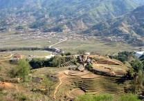 ⑬クロモン族集落の美しい棚田