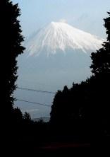01駐車場から見えた富士山です。