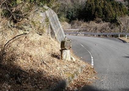 1.七つ峰登山口(標識は読めない)