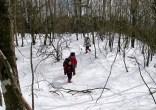 10.雪の急斜面を登る