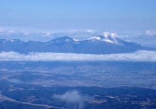 11間近に見える浅間山。