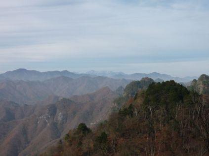 遠くに見えるは八ヶ岳?!