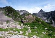 ④「ミットナイトイーグルだぜー」ツバメ岩、岩陵。