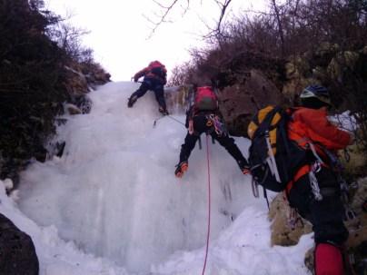 16 バーチカルぎみの氷柱に苦戦