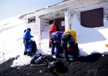 19 閉鎖された避難小屋