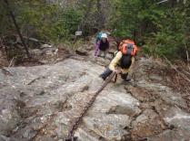 27虹が滝への登山道は急下降の連続。