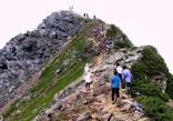 19 北岳山頂付近,人が多い。