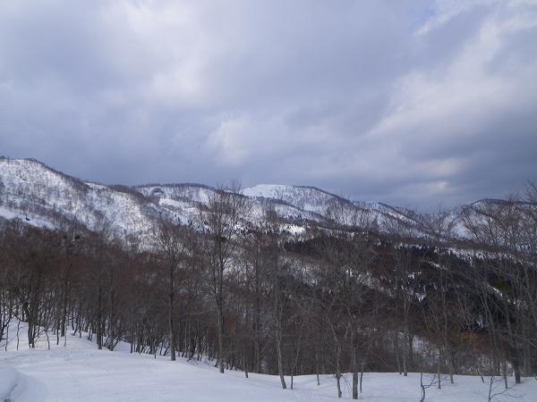 18.ゲレンデから見る木無山