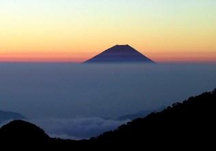 11 農鳥小屋からの富士山