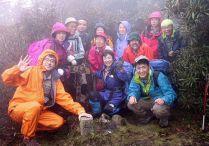 14 雨の中の栗ノ木岳山頂。