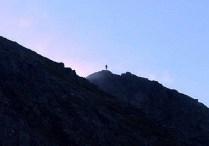 02 塩見岳山頂にだれかいる。