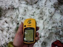 ちょっと迷って、GPSを使って残雪をフラフラ(笑)