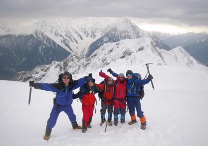 24 穂高岳,K2,K1をバックに