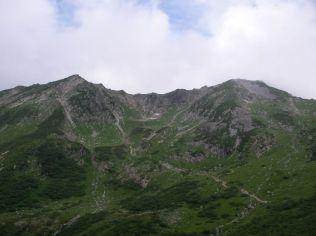 杓子平から見た抜戸岳