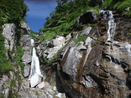 3段10m滝/左岸2段50m滝