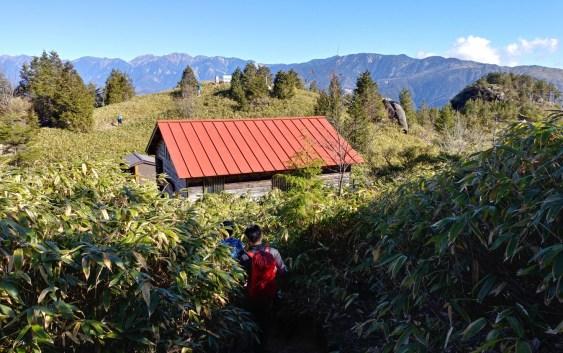 南木曽岳(1,679m)
